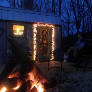 How We Created a Delightful Christmas in Our Tiny House